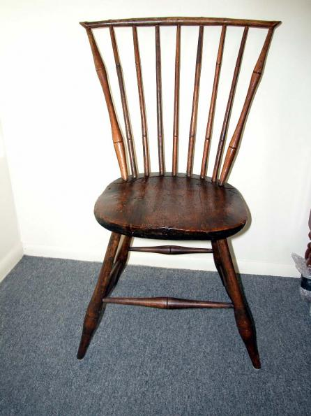 Antique Windsor Chair before/detail image