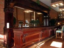 19th Century Full Bar